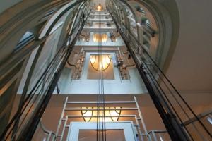 Modernisation obligatoire des ascenseurs à caractère historique